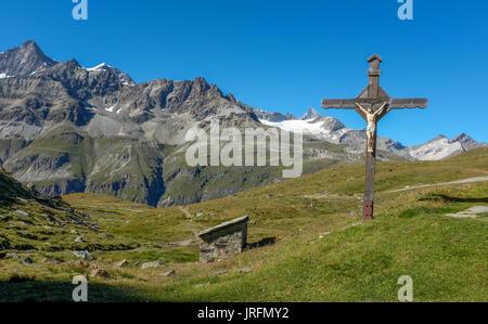Jezus Statue in den Schweizer Alpen Neben Schwarzsee, Montag, 22. August 2016, in der Nähe von Zermatt, Schweiz. - Stockfoto