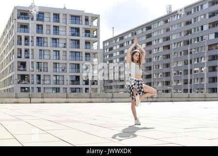 Junge, attraktive Frau (Model-freigegeben) - Stockfoto