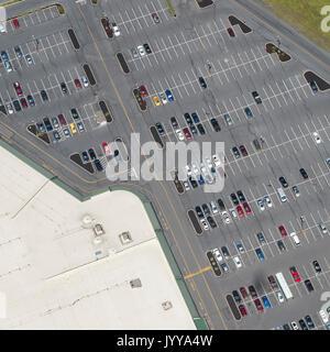 Luftaufnahme des Parkplatzes - Stockfoto