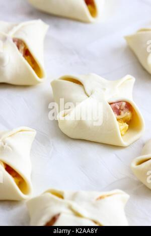 Schinken und Käse Taschen (Jambons) - Stockfoto