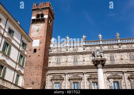 Piazza Delle Erbe und Colonna di San Marco, Verona, Italien - Stockfoto