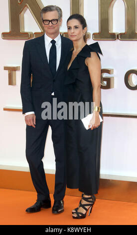 London - Sept 18, 2017: Colin Firth und Livia Firth nehmen an der kingsman: Der goldene Kreis Weltpremiere im Odeon - Stockfoto