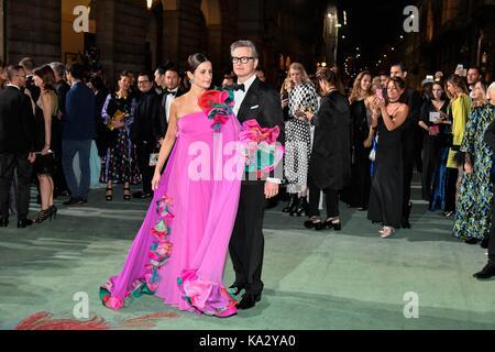 Mailand Frau Fashion Week Frühjahr Sommer 2018. Milan Mode Frau, Frühling Sommer 2018. Fashion Awards 2017 kommt - Stockfoto