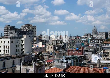 Der Blick über die Dächer von Centro Habana und Habana Vieja in Havanna, Kuba. Ian Hinchliffe/ianrichardhinchliffe.co.uk - Stockfoto