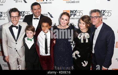 """New York - Okt 07: Die Besetzung von """"überrascht"""" die Premiere auf der 55 New York Film Festival besucht in der - Stockfoto"""