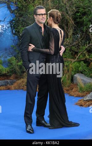 Brad Pitt & Angelina Jolie eine eigene Rezeption für Disney's Malefiz zur Unterstützung der Great Ormond Street - Stockfoto