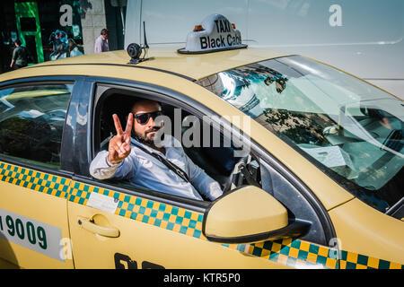 Cab Driver in Melbourne. - Stockfoto