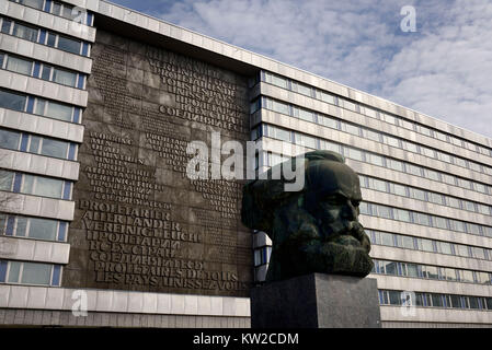 Chemnitz, Karl-Marx-Monument vor dem oberen Finance Management, Karl Marx Monument vor Oberfinanzdirektion - Stockfoto