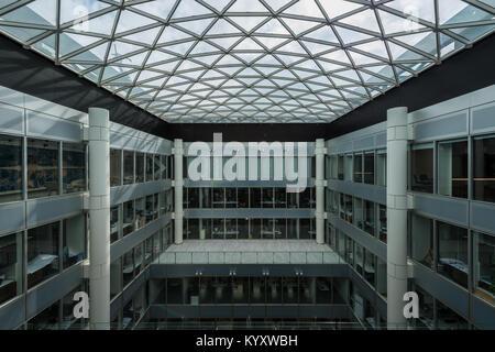 Innenraum der Bürogebäude in der Innenstadt von London, Vereinigtes Königreich - Stockfoto