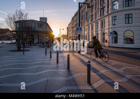 Radfahrer in den frühen Stunden, Kopenhagen, Dänemark - Stockfoto