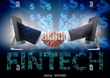 Zwei Personen handshaking in finanziellen Tecnology fintech Konzept - Stockfoto