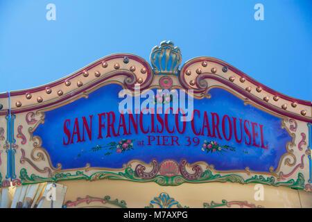 Hohen Schnittansicht von einem Vergnügungspark, Pier 39, San Francisco, Kalifornien, USA - Stockfoto