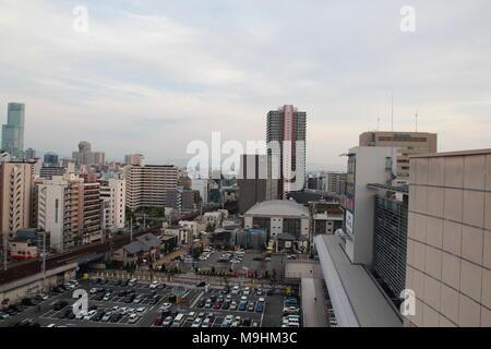 Szene von Osaka City Skyline Blick von der Dachterrasse - Stockfoto