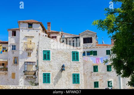 Architektur der Altstadt von Sibenik, Kroatien - Stockfoto