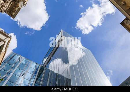 Neue Hof, St. Swithin's Lane, EC4, die ikonische moderne Hauptquartier der Banker N M Rothschild & Söhne, Finanzviertel der Stadt London - Stockfoto