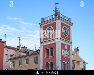 Altstadt von Rovinj, Kroatien, mit Clock Tower - Stockfoto