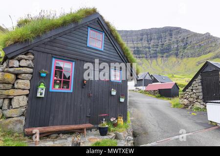 Traditionelle Häuser, Kunoy Insel, Nordoyar, Färöer, Dänemark, Europa - Stockfoto