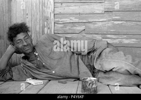Arbeitslose Trapper, Plaquemines Parish, Louisiana, USA, Ben Shahn für US-Umsiedlung Verwaltung, Oktober 1935 - Stockfoto