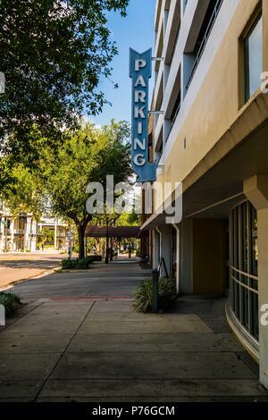 Die Spaziergänge durch die Straßen der Innenstadt von St. Petersburg, Florida. - Stockfoto