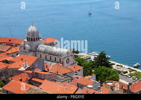 Kroatien - Sibenik in Dalmatien. Die Kathedrale ist ein UNESCO-Weltkulturerbe. - Stockfoto