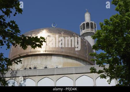 Grossbritannien, England, London, Regent's Park, London Central Mosque, Low Angle View - Stockfoto