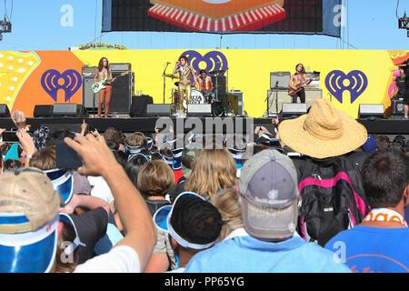 Josh Kiszka von Greta Van Flotte führt auf der Bühne am 2018 iHeartRadio Music Festival tagsüber Stufe am 22. September 2018 in Las Vegas, Nevada. - Stockfoto