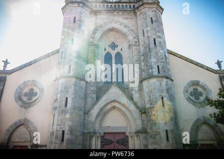 Architektonische Details der Kirche Saint Jean-Baptiste in Vichy, Frankreich - Stockfoto