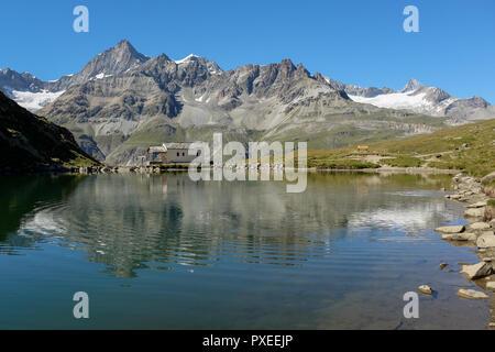 Schweizer Berge in Schwarzsee, Montag, 22. August 2016, in der Nähe von Zermatt, Schweiz wider. - Stockfoto