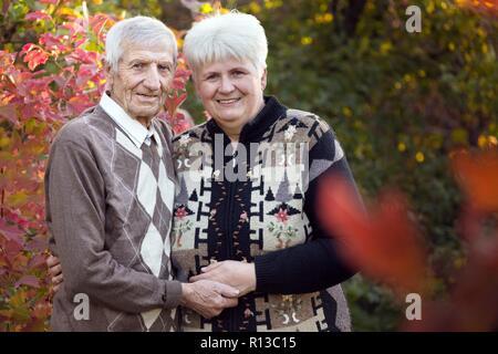 Happy Family. Portrait von lächelnden älteren Mann und Tochter - Stockfoto