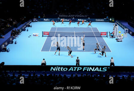 London, Großbritannien. 13 Nov, 2018. Tag 3, Nitto ATP World Tour Finals 2018. LONDON, ENGLAND - November 13: (Anmerkung des Editors, bearbeitet mehrere Exposition) Kei Nishikori von Japan in Aktion während seiner singles Match gegen Kevin Anderson aus Südafrika am Tag drei der ATP World Tour Finale in der O2 Arena am 13. November 2018 in London, England. Foto von Paul Cunningham Credit: Paul Cunningham/Alamy leben Nachrichten - Stockfoto