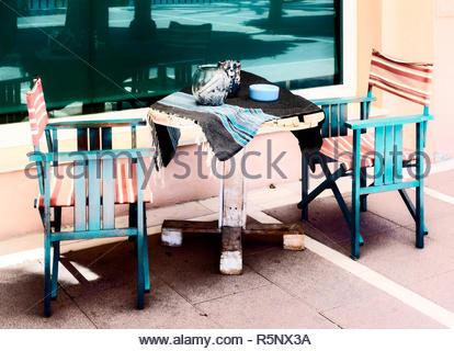 Tisch und Stühle in Marbella - Stockfoto