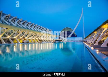 Principe Felipe Wissenschaftsmuseum und Agora. Stadt der Künste und Wissenschaften. Architekten Santiago Calatrava. Valencia.Comunidad Valencia. Spanien. Europa - Stockfoto