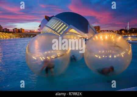Hemisferic. Stadt der Künste und Wissenschaften. Architekten Santiago Calatrava. Valencia. Comunidad Valencia. Spanien. Europa - Stockfoto