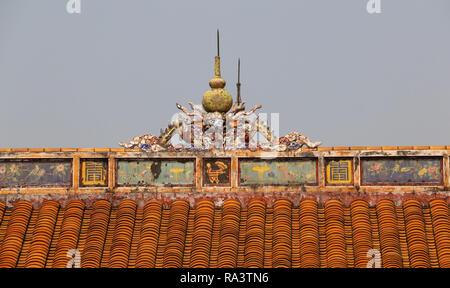 Verbotene Stadt, Dach Fragment des Drachen, Hue, Vietnam - Stockfoto
