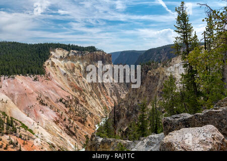 Grand Canyon im Yellowstone der Yellowstone National Park, Wyoming. - Stockfoto