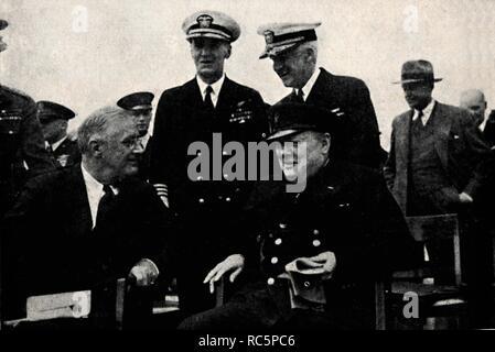 """""""Der amerikanische Präsident und der britische Premier', 14. August 1941, (1945). Schöpfer: Unbekannt. - Stockfoto"""