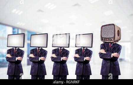Moderne Technologien gegen Alte. - Stockfoto