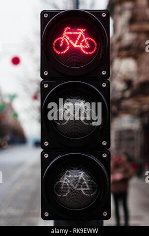 Fahrrad Ampel, Rotlicht, Rennrad, Bike Zone oder Bereich, Bike Sharing - Stockfoto