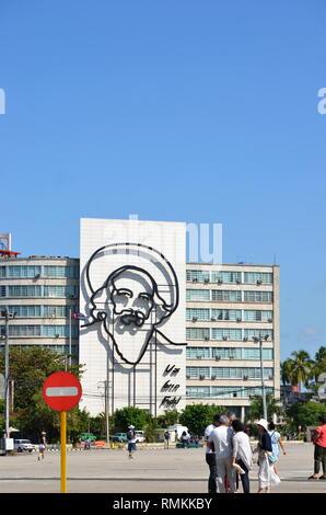 Havanna Kuba - Fidel Castro Porträt an der Wand des Post- und Numismatische Museum Gebäude in der Platz der Revolution - Stockfoto