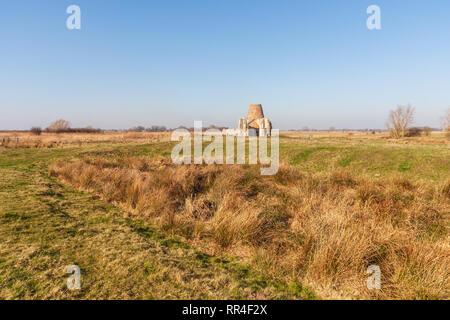 St benets Abtei in Norfolk bei holme auf der Norfolk Broads in Großbritannien mittelalterlichen Rogachevo Village - Stockfoto