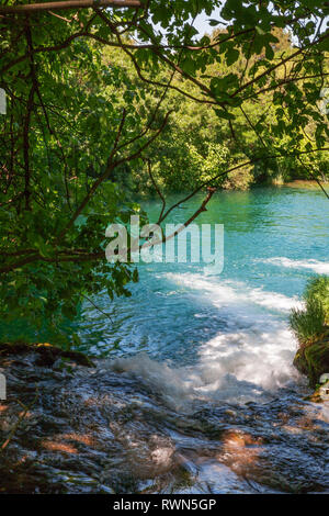 Pool und Wasserfall am Oberlauf des Skradinski buk, ein Wasserfall auf dem Fluss Krka in den Nationalpark Krka Šibenik-Knin, Kroatien - Stockfoto
