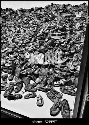 Ein unglaublicher Anblick - einen riesigen Haufen von beschlagnahmten Schuhe: von Opfern des NS-Völkermords besessen. Teil einer Anzeige an das ehemalige Konzentrationslager Auschwitz, die jetzt ein Museum. Pic. © CH - Stockfoto