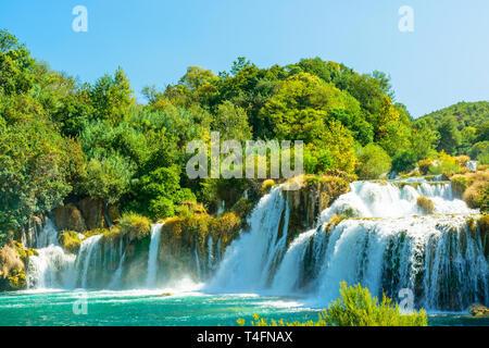 Schöne Skradinski Buk Wasserfall im Nationalpark Krka - Dalmatien Kroatien, Europa im sonnigen Tag - Stockfoto