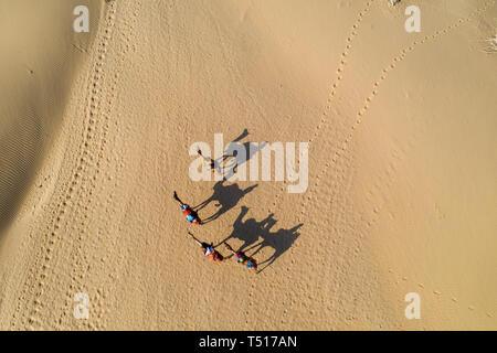 Indien, Rajasthan, Jaisalmer, Khuri Wüste - Stockfoto