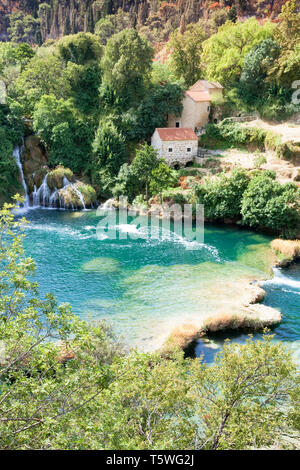 Krka, Sibenik, Kroatien, Europa - idyllisch wohnen im Nationalpark Krka - Stockfoto