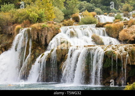Krka, Sibenik, Kroatien, Europa - nie enden wollenden Katarakt durch den Nationalpark Krka - Stockfoto