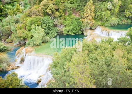 Krka, Sibenik, Kroatien, Europa - Besuch der berühmten Wasserfälle von Krka - Stockfoto