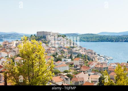 Sibenik, Kroatien, Europa - Blick auf die Altstadt von Sibenik - Stockfoto