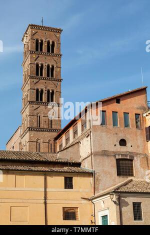 Santa Francesca Romana, früher bekannt als Santa Maria Nova vom Forum Romanum oder das Forum Romanum, (Italienisch: Foro Romano) Rom, Italien - Stockfoto