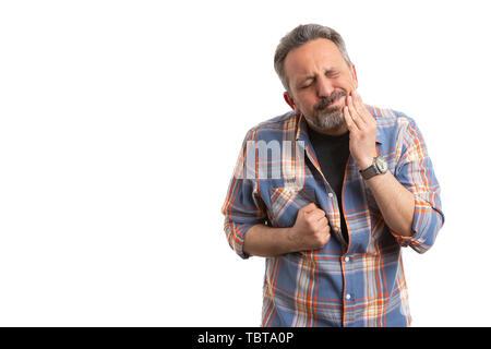 Mann, der verletzten Ausdruck in Berührung Wange wie Zahnschmerzen Konzept mit leeren Copyspace für Werbung isoliert auf weißem - Stockfoto